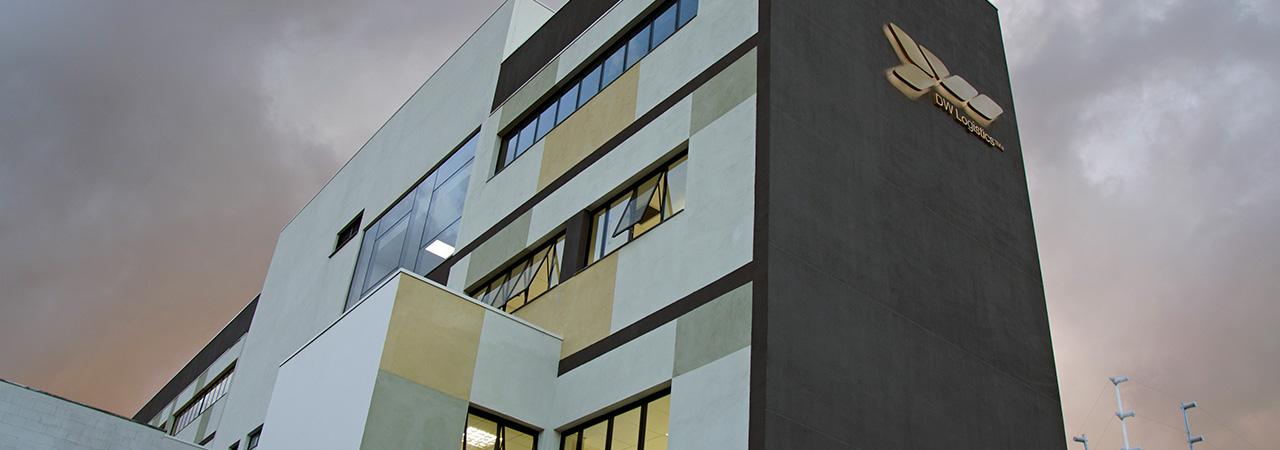 Fachada de projeto corporativo - DW Comissária - Curitiba
